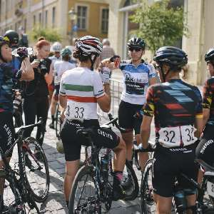 central/2016ThueringenRundfahrtFrauen/  2016-07-17 Rund um Altenburg. Ziel. Alexis Ryan, Barbara Guarischi, Elena Ceccini, Lisa Brennauer, Alexis Ryan, Altenburg, Barbara Guarischi, Cycle Race, Elena Ceccini, Elite, Frauen, Lisa Brennauer, Radrennen, Thüringen Rundfahrt der Frauen, Trixi Worrack, stage 3, wom
